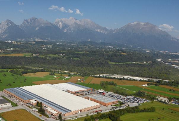 Завод компанії Costan в Італії